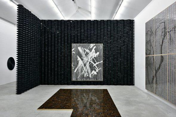 From GalleriesNow.net - Gregor Hildebrandt: Alle Schläge sind erlaubt @Almine Rech Gallery, Paris