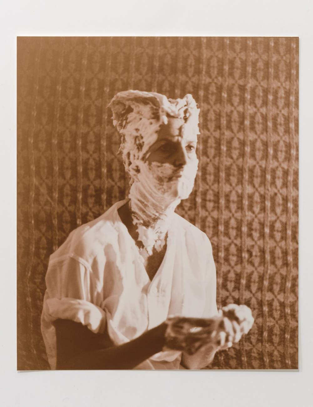 Sturtevant, Duchamp Man Ray. Photography 22,5 x 19,2 cm (8,86 x 7,56 in) 35,5 x 32,3 cm (13,98 x 12,72 in)