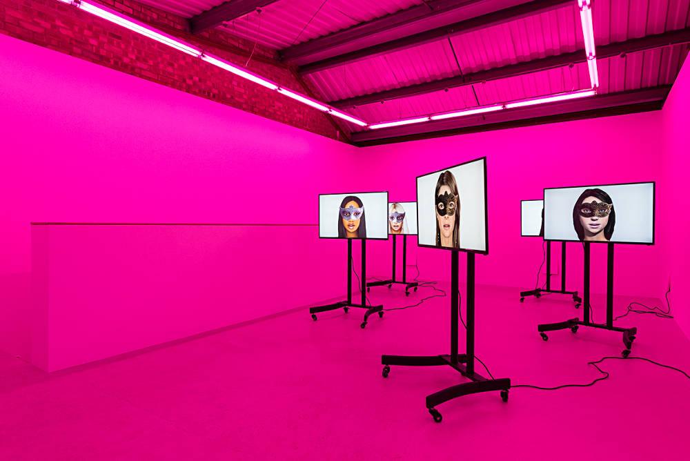 Annka Kultys Gallery Mediengruppe Bitnik 2
