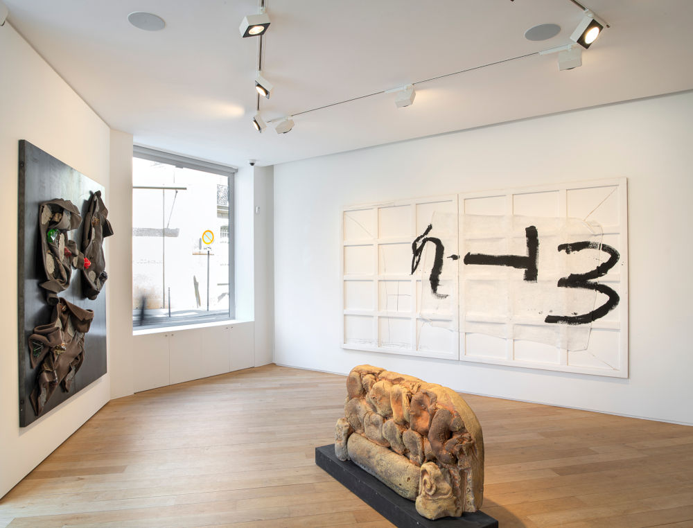 Galerie Lelong avenue Matignon Jannis Kounellis Arnulf Rainer Antoni Tapies 2