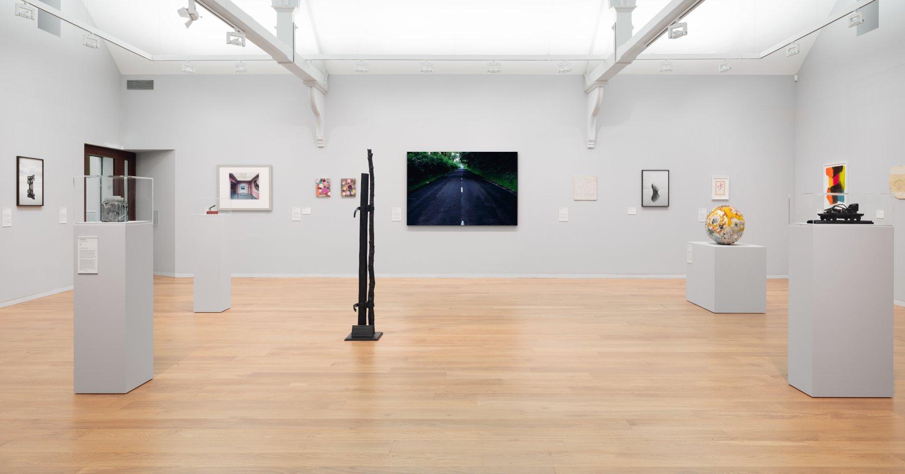 Whitechapel Gallery Gary Hume Hiscox 1