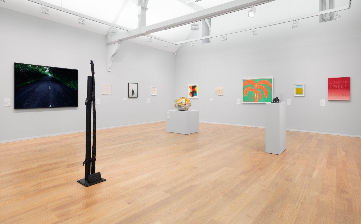 Whitechapel Gallery Gary Hume Hiscox 2