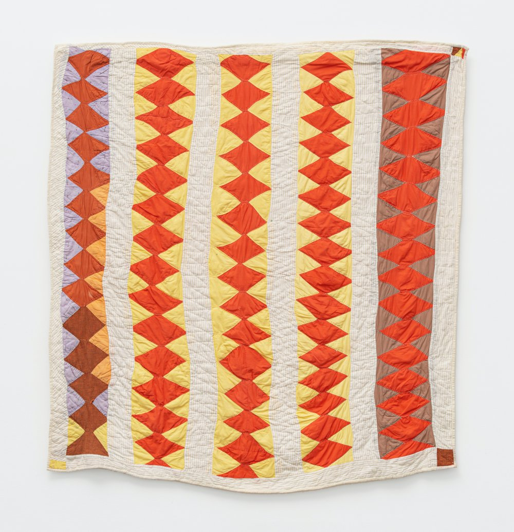 'Crosscut Saw' - (quiltmaker's name) - five diamond-pieced rows with bars
