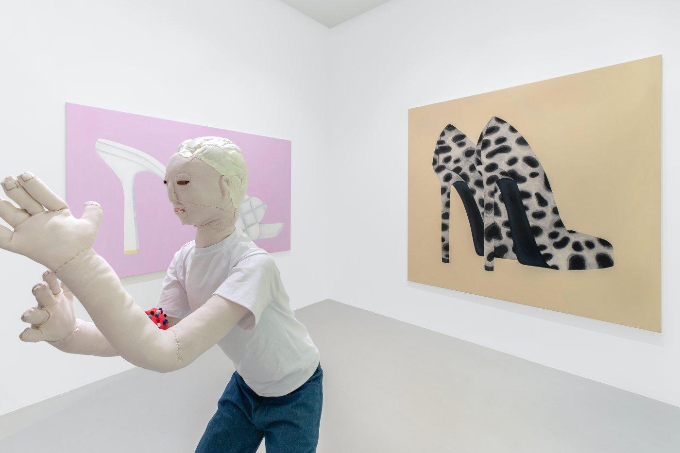 Galerie Max Hetzler Paris Raphaela Simon 3