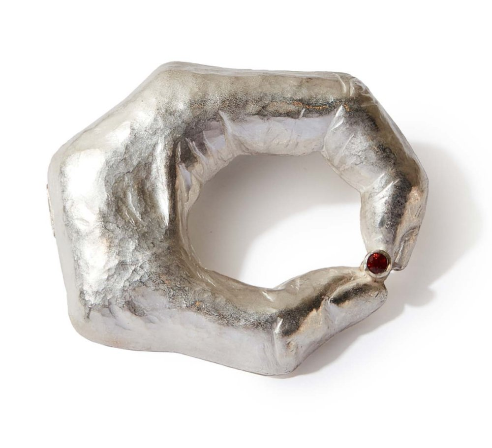 925 silver, garnet stone, hand chased repoussé brooch