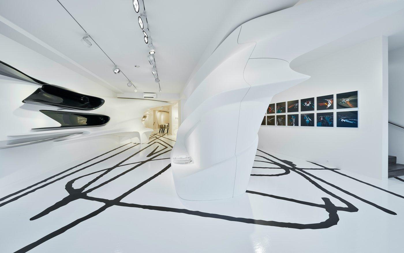 Galerie Gmurzynska Paradeplatz Zaha Hadid 2