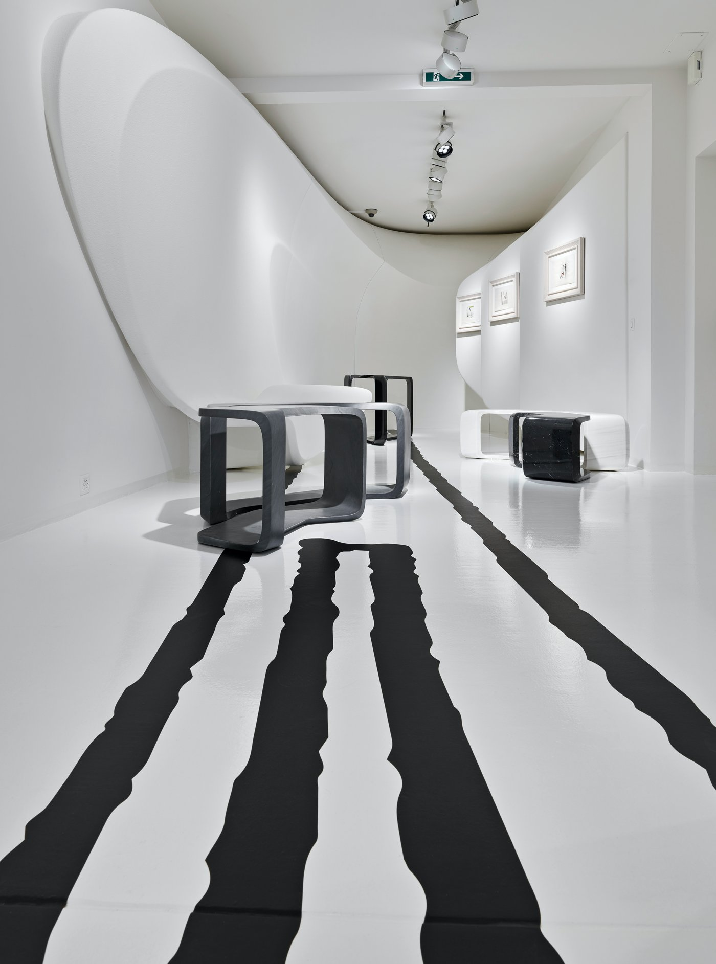 Galerie Gmurzynska Paradeplatz Zaha Hadid 5