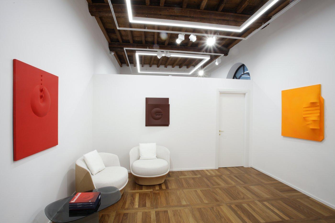 Cortesi Gallery Milan Agostino Bonalumi 5