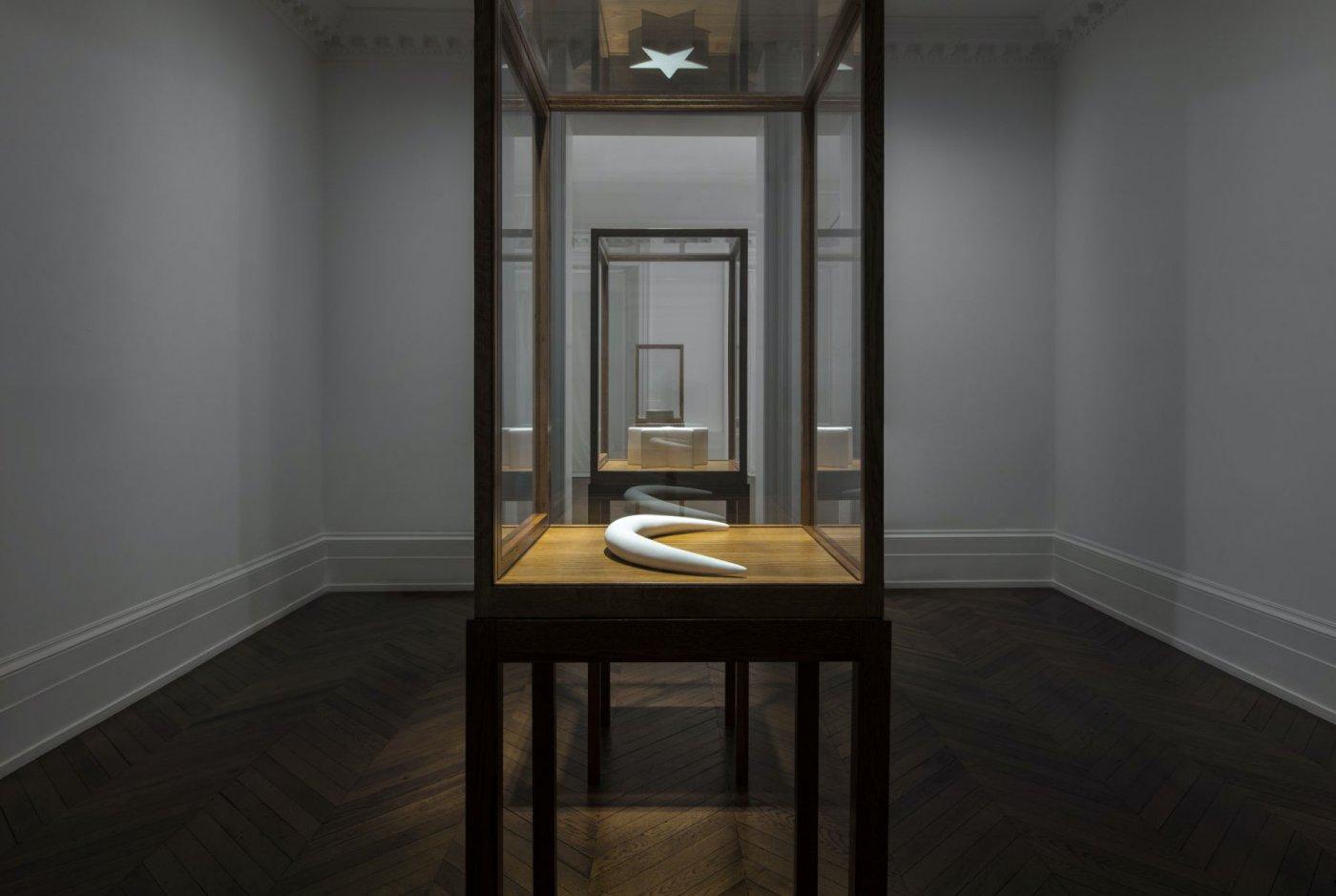 Michael Werner Gallery London James Lee Byars 3