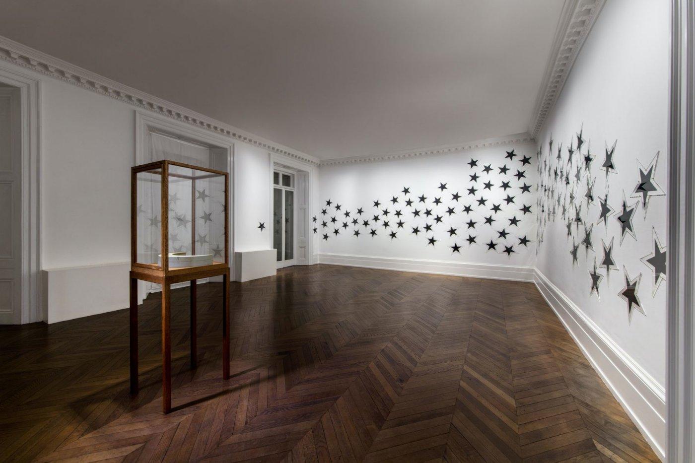 Michael Werner Gallery London James Lee Byars 4