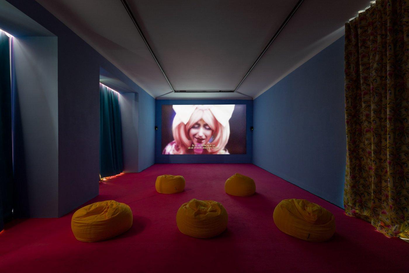 Galerie Kandlhofer Rachel Maclean new 6