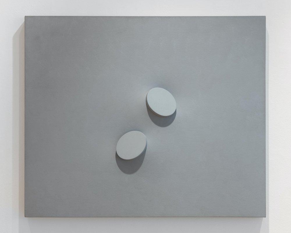 Due ovali in grigio
