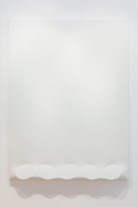 Cinque ovali in bianco