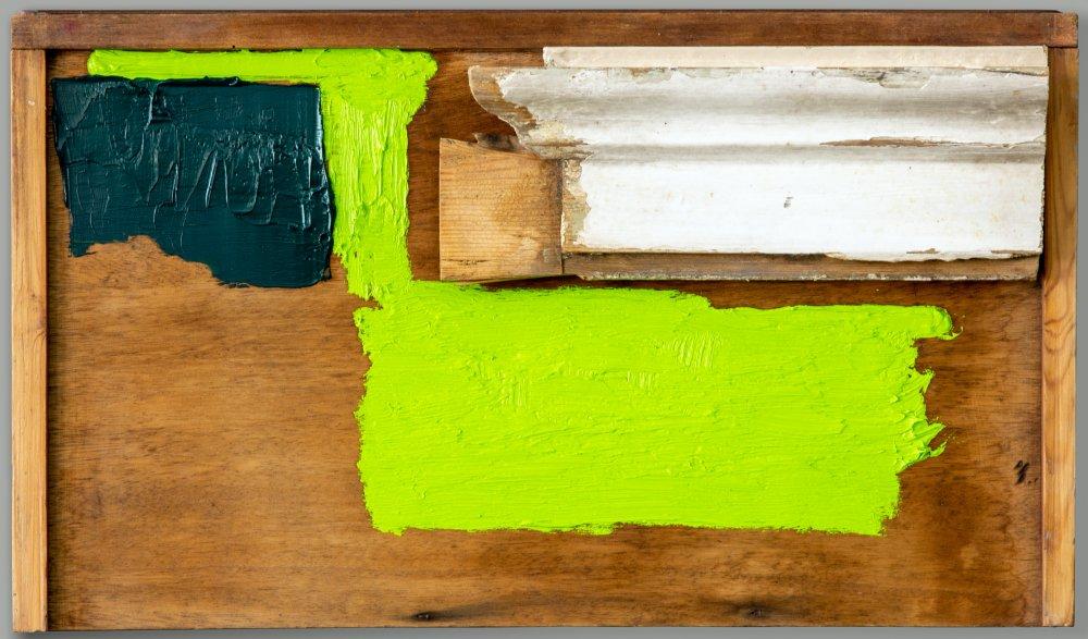 Door fragment on drawer
