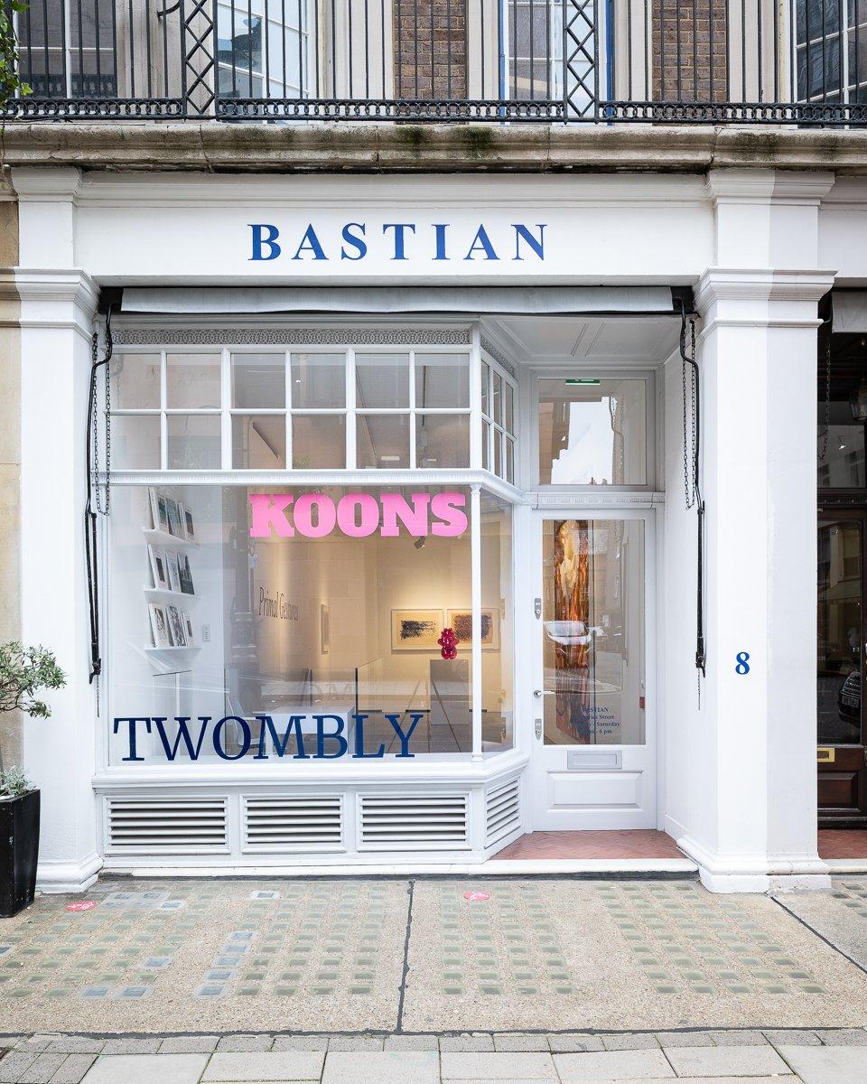 Bastian Jeff Koons Cy Twombly 8